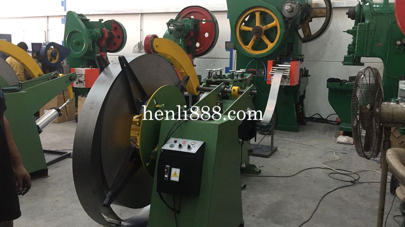 Decoiler MT-700 from Henli12 Machinery.jpg